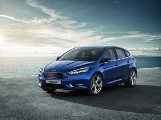 2014-ford-focus-facelift-hatchback-first-official-