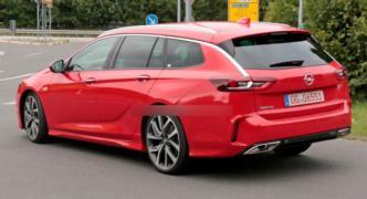 Opel Insignia Gsi Sports Tourer resim galerisi