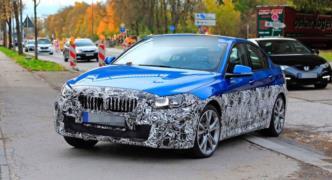 Güncellenen 2020 BMW 1 Serisi Sedan resim galerisi