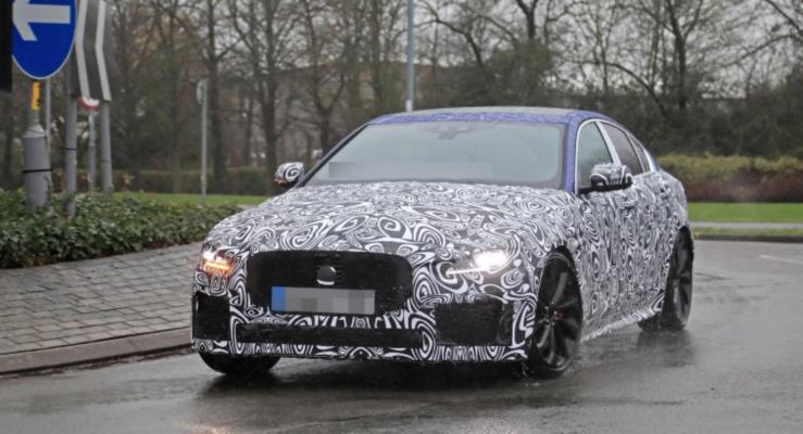 2019 Jaguar XE iddialı geliyor