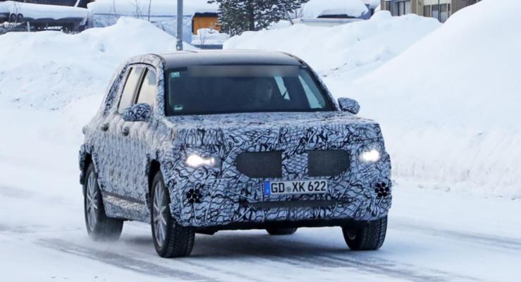 2020 Mercedes GLB kompakt SUV göründü