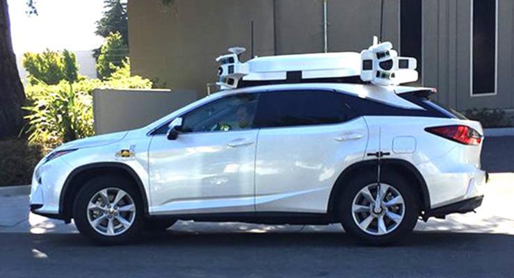 Apple'ın otonom arabası kaza yaptı