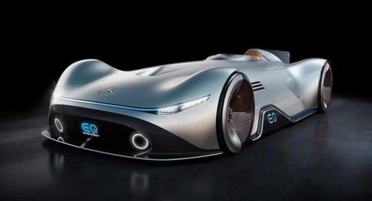 EQ Silver Arrow Mercedes'in elektrikli geleceğini gözler önüne seriyor