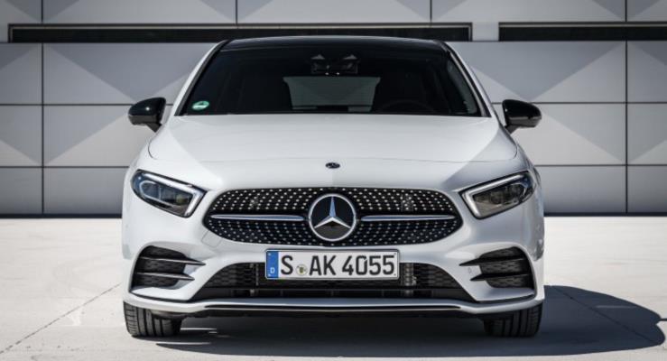 Mercedes 2018 A-Serisi'nden yeni fotoğraflar yayınladı