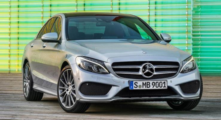 Mercedes-Benz 2018'de de tacını BMW'ye kaptırmadı