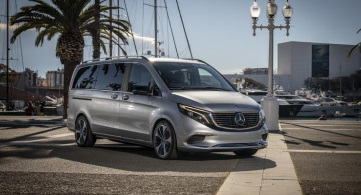 Mercedes-Benz Concept EQV Barselona Sokaklarında