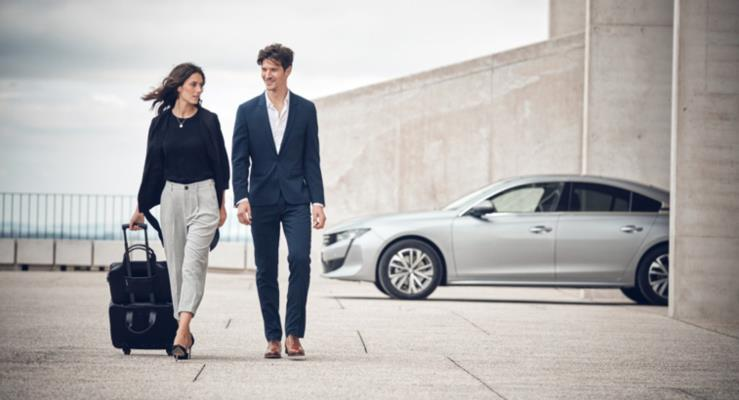 Peugeot, Alcantara® detaylara sahip yeni bir çanta serisi lanse etti