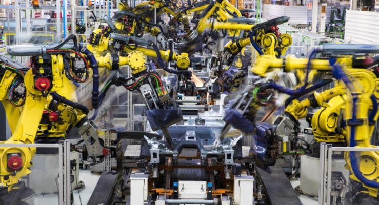 SEAT Üretim Merkezinde 2 Bin Robotun Dansı