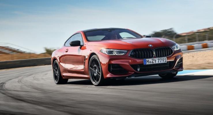 Yeni BMW 8-Serisi Coupe'den fotoğraf ve videolar