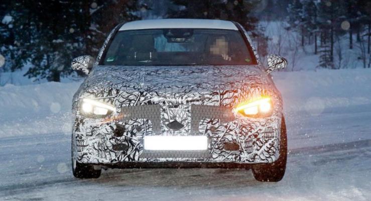 Yeni ikinci nesil Mercedes CLA görüntülendi