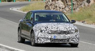 Güncellenen VW Passat yeni ve gelişmiş teknolojilerle geliyor